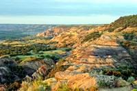 Badlands scenery, Sperati point at sunset - Theodore Roosevelt National Park